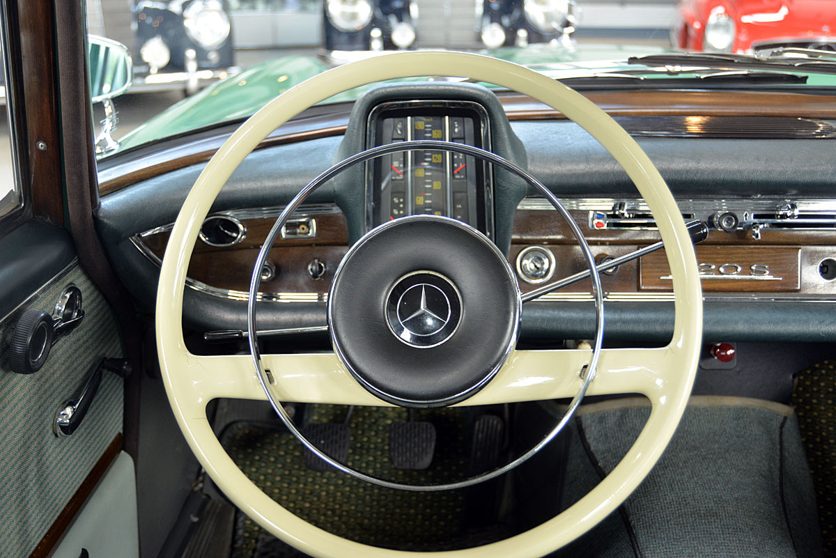 Mercedes Benz 220 Sb W111 Classic Sterne
