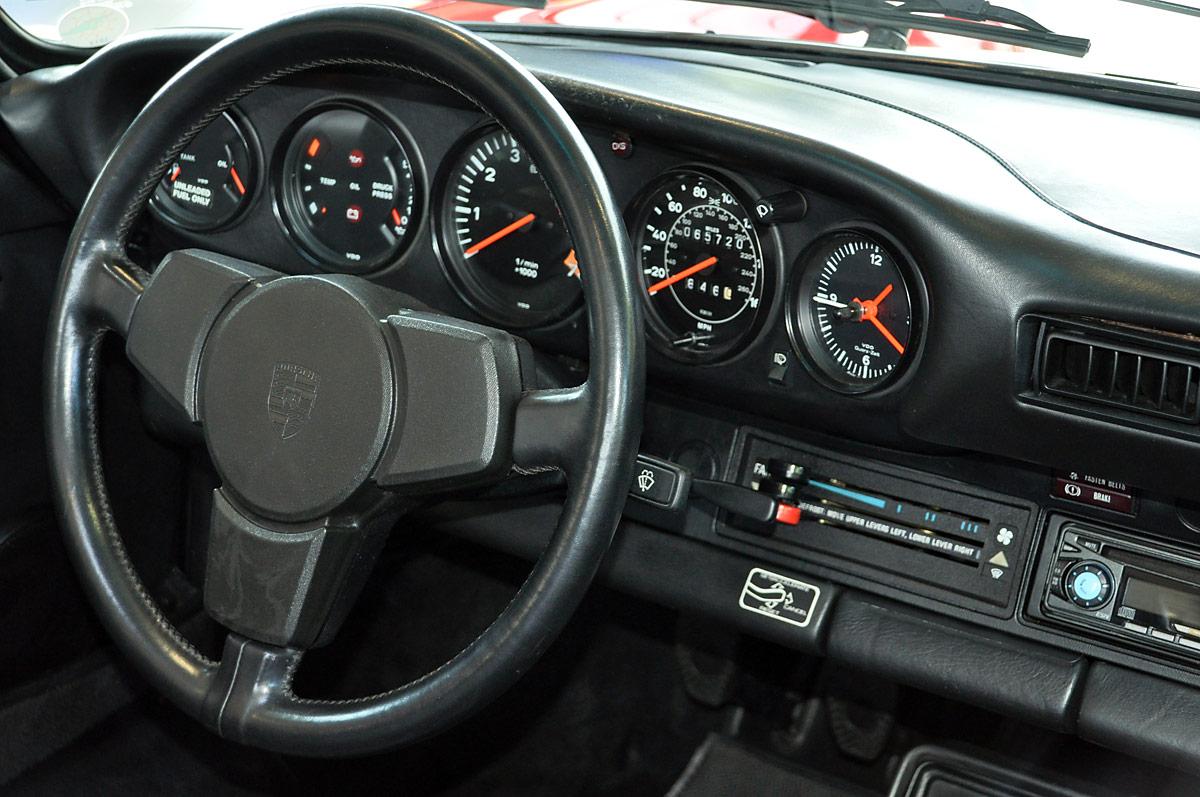 Porsche 911 sc cabriolet classic sterne for Interieur 911 sc